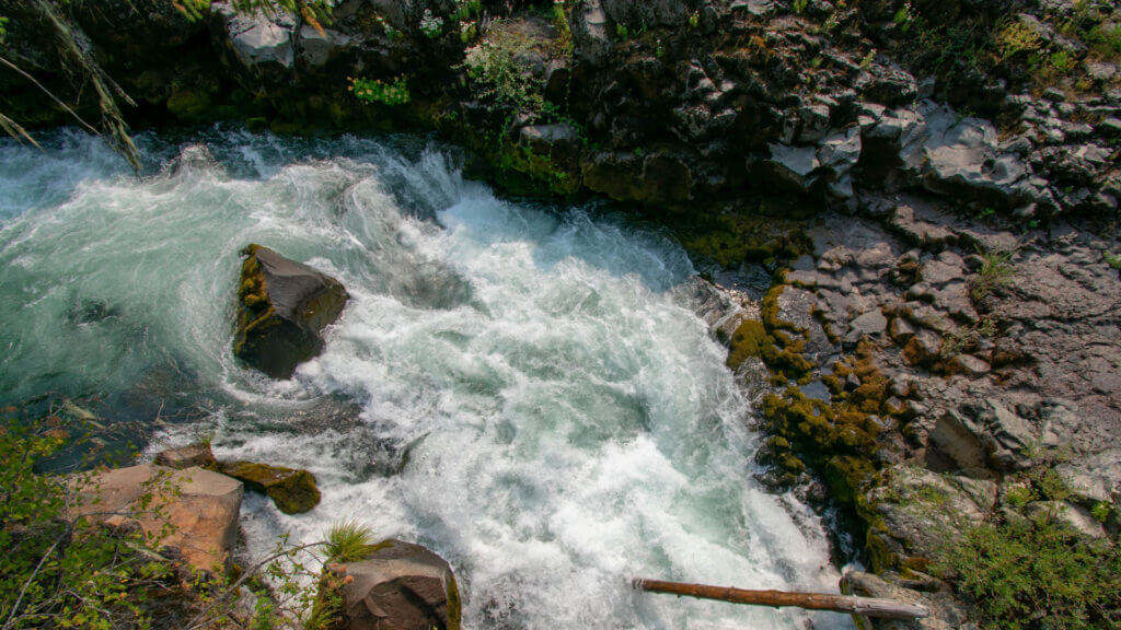 There are many incredible rivers running through Oregon and you can find camping alongside them near Bend, OR.